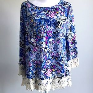 Grifflin Paris floral ornament top with sleeves